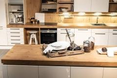 Dan-kuhen-kuhinje-po-meri-galerija-gotovih-kuhinja-16